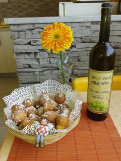 Fritule and wine