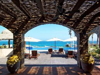 Villa E - 5 bedroom beachfront in Puerto Los Cabos