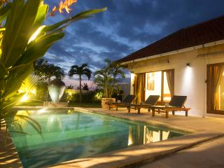 Villa Kenzo - Great Comfort in Beautiful Location, Kerobokan