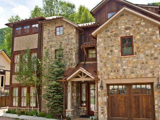 Riverfront Estate 4-Bedroom, Telluride