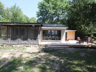 Lower cottage (#904), Williamsford