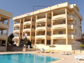 Penthouse Holiday Apartment in Altinkum