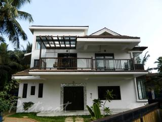 North Goa luxury unique 4 bedroom/bathroom Villa, Siolim