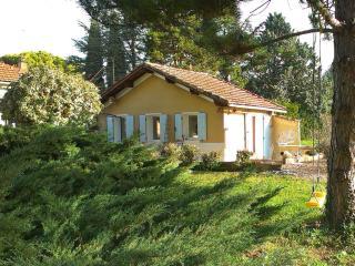 Small Cottage, Near Mt Ventoux/ Vaucluse, Carpentras