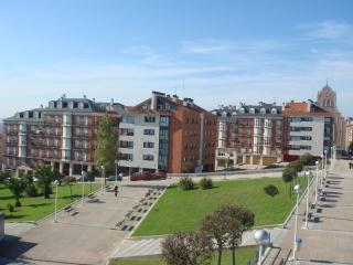 Modern Apartment near Centre & Beach, Santander