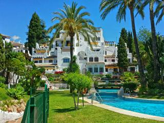 Perfectly situated Puerto Banus Marbella, Nueva Andalucia