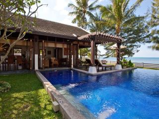 Beachfront Villa, Private Pool, 5 adults + 4 kids, Koh Samui