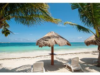 Palma Real, 1 BR Condo on Beach in Puerto Morelos