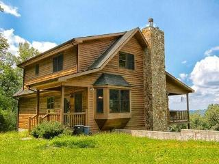 Large Secluded Mountain Cabin on Acreage, Nice Views, Fire Pit, Sleeps 11 Guests