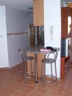 Breakfast and kitchen area .