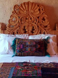 All beds have fine details of mexican handcrafts like the textiles and the headbroads.