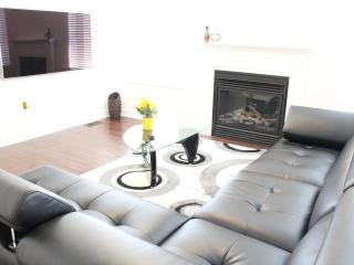 4BDR Luxury ShortTerm Home Furnished Accommodation, Richmond Hill