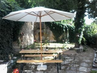 Large garden with outside dining area