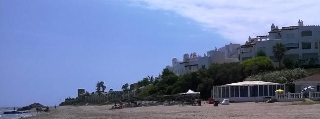 One of the many beach bars looking towards the Calahonda tower