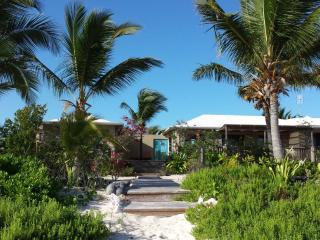 DATAI-VILLA  Your beachfront villa on North Caicos, Whitby