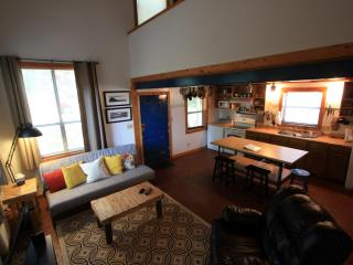 Fabulous loft (M). Minutes to Bragg. Heart of Fay