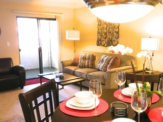 New Furnishings! 1BR Condo - pool, wifi