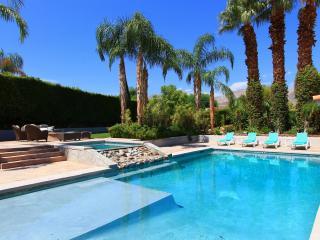 Luxury 6-Bedroom Estate in Palm Desert - El Paseo