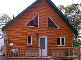 Modern log cabin, joli chalet au Lac-Saint-Jean