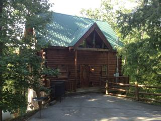 Bear Ridge Luxury 2 Bedroom Cabin, Pigeon Forge
