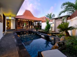 """Hidden Gem"" close to the beach in Sanur"