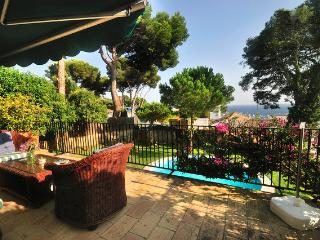 **VILLA MARE LLAFRANC** Sleeps 11 w/ Sea views