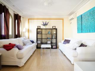 5 bedroom Queens' Flat, Plenty of Light., Barcellona