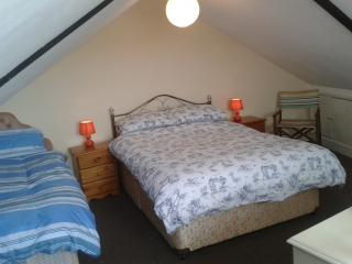 The Surf Bar Bed & Breakfast In Burry Port, Swansea