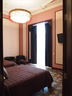 Bedroom 1, Pink Suite (ii)