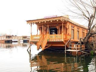 Houseboat Amabssador, Srinagar