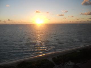 Exquisite One Bedroom Ocean View, Miami
