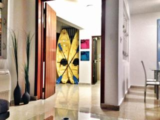 3BR/3B Suite III in Condado, Puerto Rico - WARM & SUNNY with ELECTRICITY 24/7