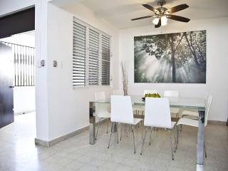 3BR/3B Suite V in Condado, Puerto Rico - WARM & SUNNY with ELECTRICITY 24/7