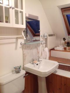 En-suite, Bath, Basin and Toilet to Front Bedroom