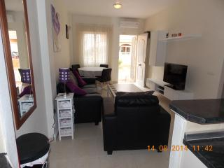 Modern 2 bedroom apartment in Playa Flamenca close to all amenities