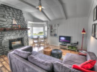 Ocean Front in the Heart of Yachats!
