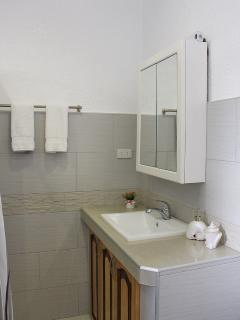 sink in bathroom upstairs