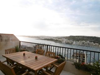 Sea-view and Country-view modern, spacious apartment in Xemxija, Malta