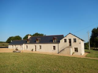 Renovated farmhouse near Le Lude, Maine-et-Loire, Noyant