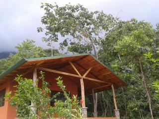 Casa Dulce...a sweet retreat in the primary forest