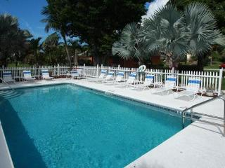 Anna Maria Island Tropical getaway,Castvilla #1 Ground floor Retreat