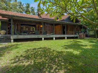 Wonderful beach house with garden, Ko Samui