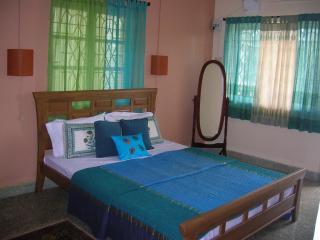 beachfront apartment in calangute., Calangute