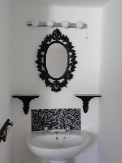 Vanity Area in Bedroom 3
