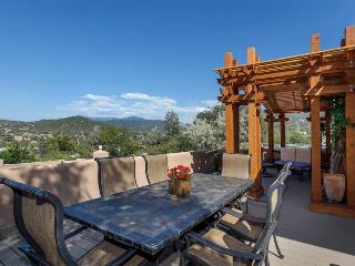 Two Casitas - Hummingbird - Spectacular Views, Stunning Home