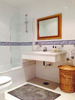 Bathroom nr 1