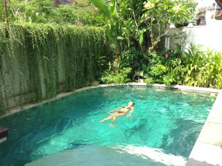 3 Bed Villa, air-conditioned Living area, pool fencing, Central Seminyak