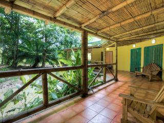Suenos de Manzanillo:with pool,next to the beach & national park