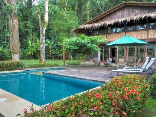 Punta Uva Pool House 4BR sleeps 12, next to beach