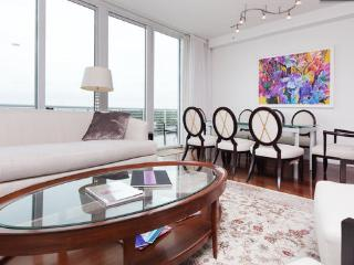 Beautiful  penthouse  apartment near beach, fabulous  view!, Miami Beach
